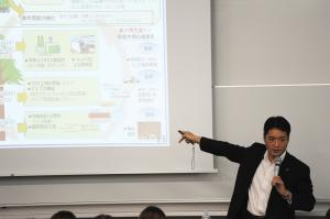 尾﨑正直 高知県知事の講義を行いました - 高知県立大学ホームページ